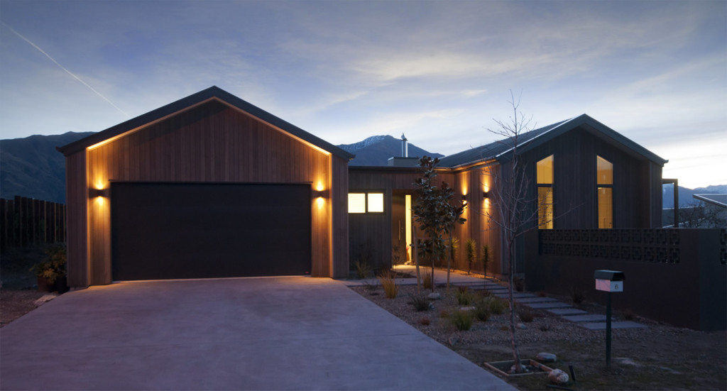 Project management for house construction